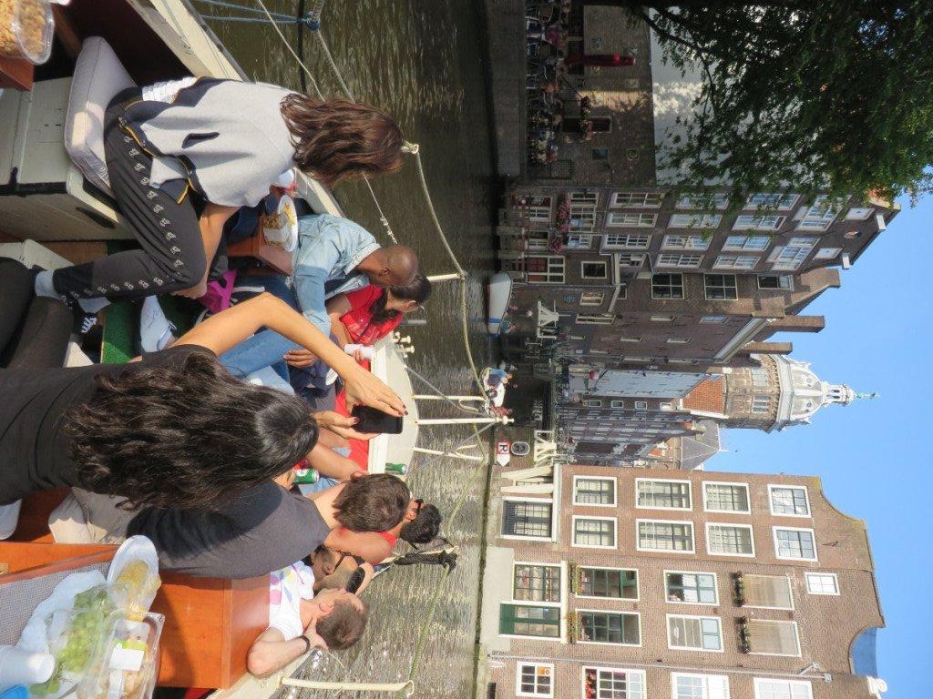 boat_amsterdam
